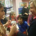 Wizyta w świetlicy integracyjnej dla dzieci romskich w Nowym Sączu