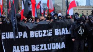 Marsze Niepodległości: Cichy sojusz PiS-u ze skrajną prawicą?