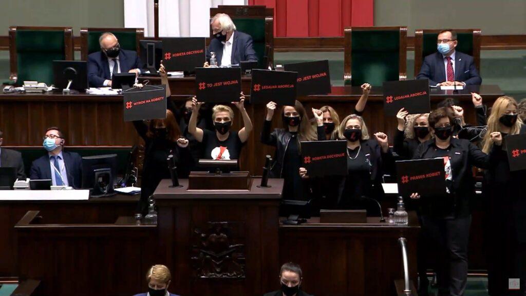 Posłanki Lewicy walczą w Sejmie o prawo do aborcji