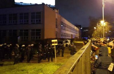 Czemu policja wtargnęła na teren Politechniki Warszawskiej?